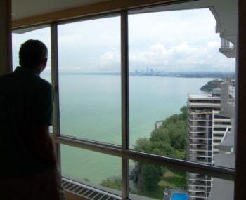 Marine Towers East Condo Views of Downtown and Lake