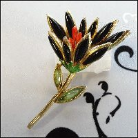 Capri Signed Flower Pin Black Glass Brooch 1960s Vintage Jewelry