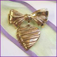 Avon Pin Gold Heart Pin I Love You Grandma 1980s Vintage Jewelry